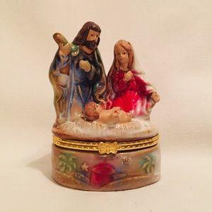 Porcelain Hinged Nativity Gold Toned Trinket Box